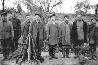 Антисоветские украинские партизаны разоружены немецкими войсками. 1943 год.