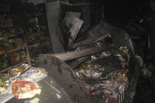 В этом пожаре обошлось без жертв, а вот материальные ценности пострадали сильно.
