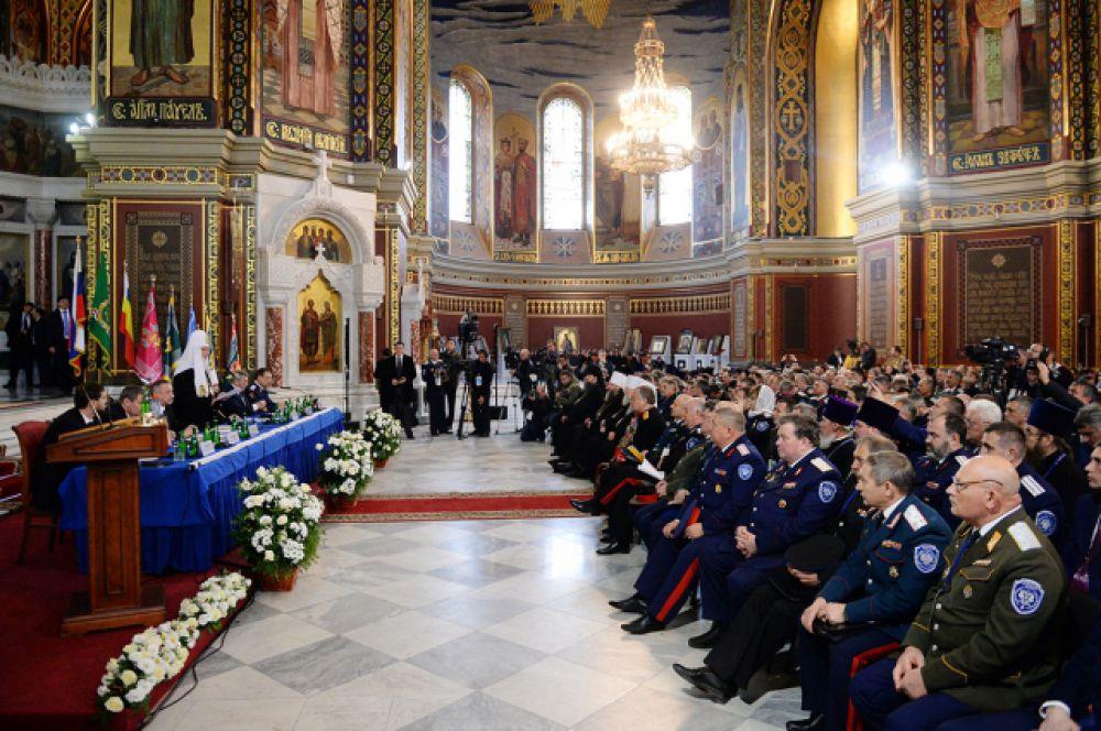 Для участия в конгрессе было избрано 300 делегатов из России и 26-и стран ближнего и дальнего зарубежья.