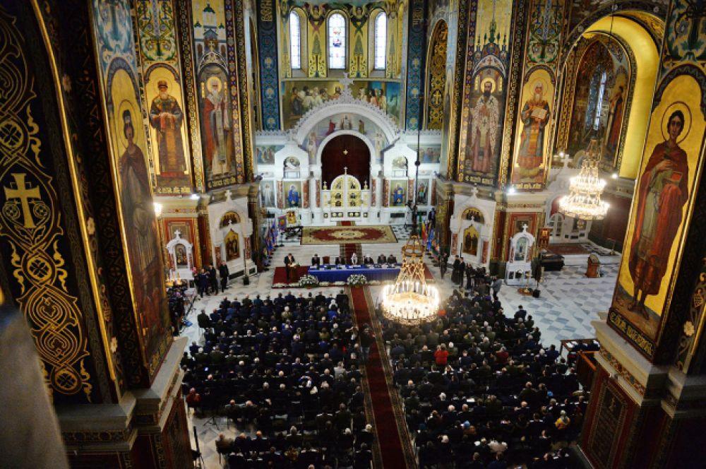 Первое пленарное заседание V Всемирного конгресса казаков на тему «Казачество: единство, Церковь, Родина».