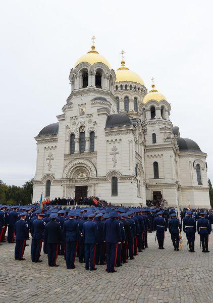 14 октября перед Вознесенским войсковым всеказачьим кафедральным собором состоялся смотр парадных расчётов казачьих округов и кадетских корпусов Всевеликого войска Донского.