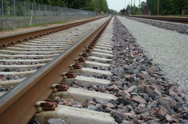 школьник бросился под поезд