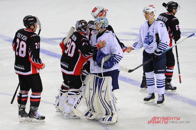 Дуэт канадцев принес приморцам в этом сезоне всего 6 очков.
