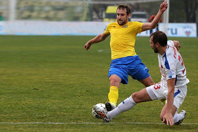 В чемпионатах и Кубке России «Луч-Энергия» и «Енисей» провели 16 официальных игр.