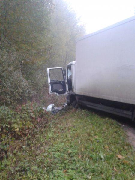 Водитель грузовика госпитализирован.