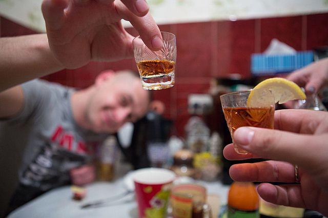 18 тыс. омичей - зависимы от алкоголя.