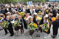В личном рейтинге этих юных москвичей их новая школа - лучшая.