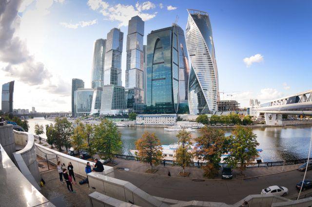 Проект делового центра «Москва-Сити» интегрировали в развитие Москвы-реки: на 3 тыс. га разместится 18 млн м2 новой недвижимости (весь фонд застройки с учётом существующего — 31 млн м2).