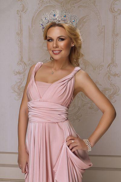 представительница  от Украины на конкурсе «Миссис Мира 2015»
