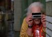 Наблюдать за тем, что происходит на отдалении героям помогает электробинокль со встроенной камерой