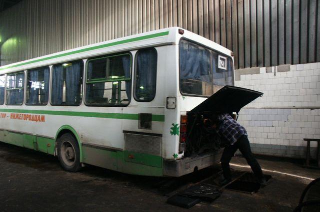 Муниципальные автобусы в районах чаще на ремонте, чем в рейсе.