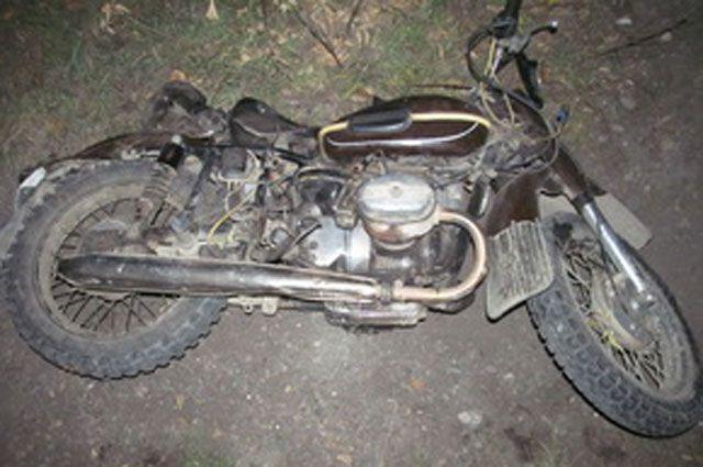 Мотоциклист нарушил массу правил дорожного движения.