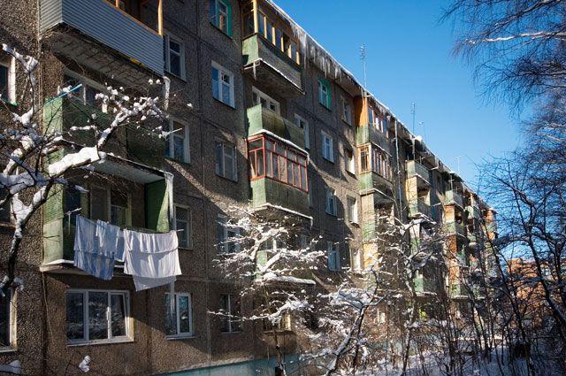 В жилом доме вблизи ДК «Малунцева» обвалился балкон.