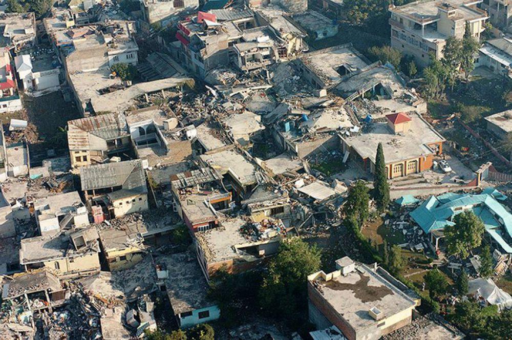 Землетрясение в Кашмире, на территории Пакистана в 2008 году стало самым страшным землетрясением в Азии за 100 лет. Разрушения затронули территорию Пакистана, Индии и Афганистана. В результате погибло около 79 тысяч человек и более 100 тысяч пострадало.