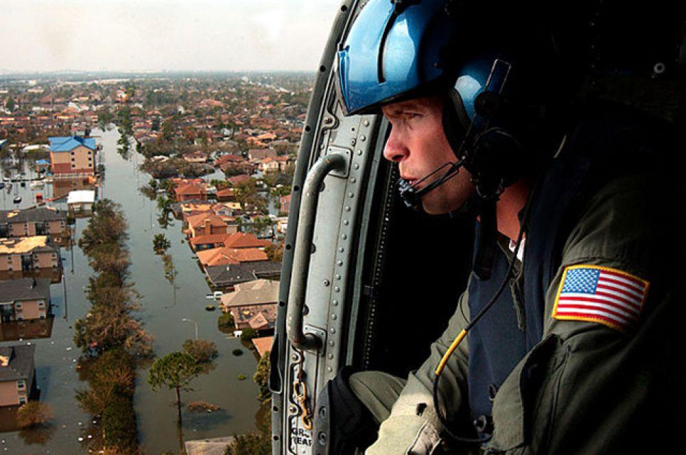 Ураган Катрина. Самый разрушительный ураган в истории США. Произошел в конце августа 2005 года. Наиболее тяжелый ущерб был причинен Новому Орлеану в Луизиане, где под водой оказалось около 80% площади города. В результате стихийного бедствия погибли 1836 жителей, экономический ущерб по оценке на 2007 год составил $125 млрд.