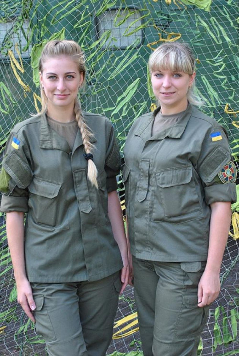 Связисты Ирина Слабченко и Елена Шаптала