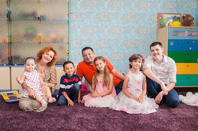 Елена Смирнова: «Чем бы женщина ни занималась в жизни, семья - главное, много детей - счастье!»