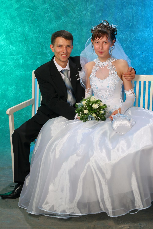 Пара №11. Леонид и Алёна Герасимовы, в браке 9 лет. Фото сделано в 2006 году.