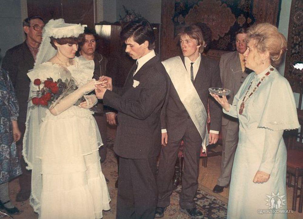 Пара №10. Александр и Ирина Черкасовы, в браке 26 лет. Фото сделано в 1989 году.