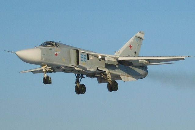 Самолет Су-24М.