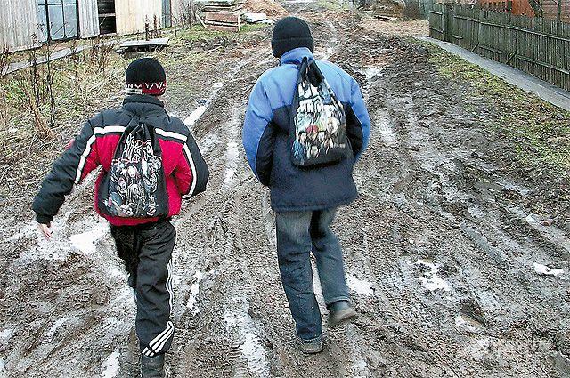 Оптимизация по-путински: до 2018 года в деревнях планируют закрыть 3639 школ и детских садов