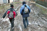 До школы сельским детям уже не дойти, не добраться...