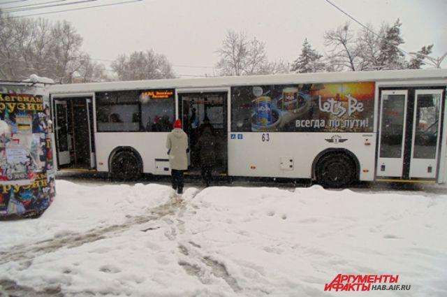 Вслед за дымом в Хабаровск пришёл сильный снег. В прочем, он идёт и во многих районах края.