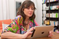 Родители могут контролировать успеваемость своих детей с помощью планшета, смартфона или компьютера.