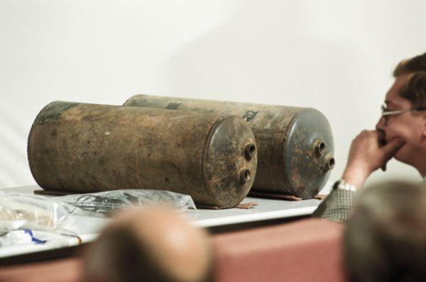Из Театрального центра на Дубровке взрывотехники изъяли в общей сложности 30 взрывных устройств, 16 гранат Ф-1 и 89 самодельных ручных гранат. Общий тротиловый эквивалент взрывчатки составлял порядка 110-120 кг.