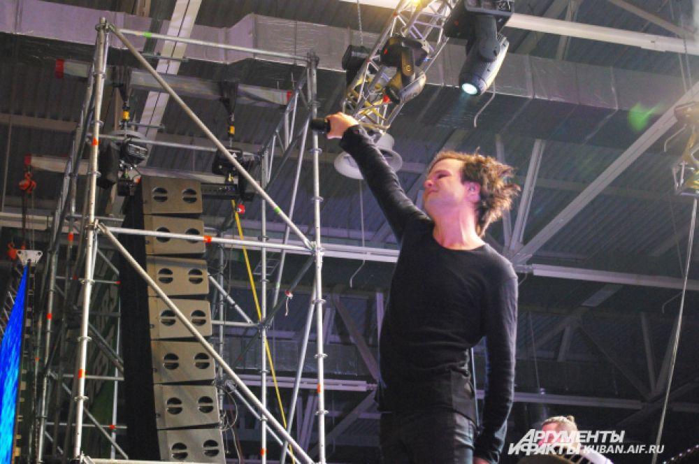Лаури Юленин как прежде молод и свеж, хотя его первые концерты в России проходили еще в середине 90-х годов.