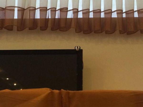 В Николаеве над кабинками для голосования была замечена камера наблюдения