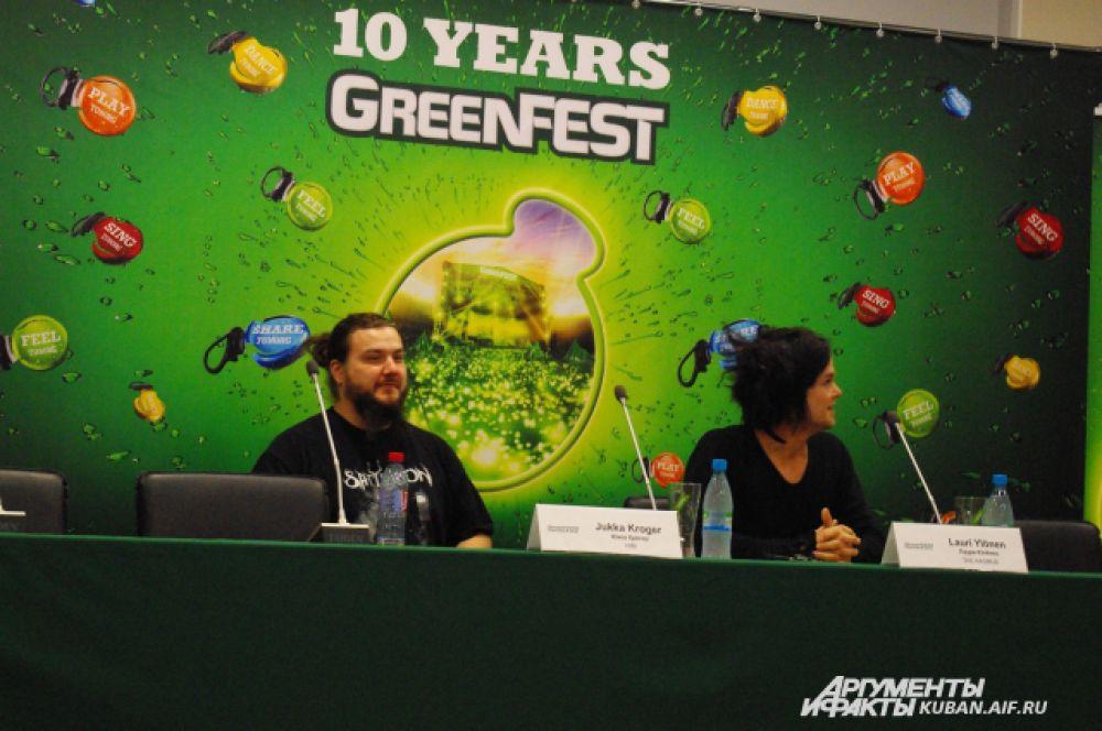 Юкка Крегер и Лаури Юленин на пресс-конференции.
