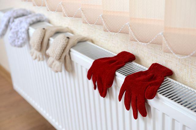 С 26 октября тепло начали подавать и в учреждения социального назначения, и в жилые дома и организации.