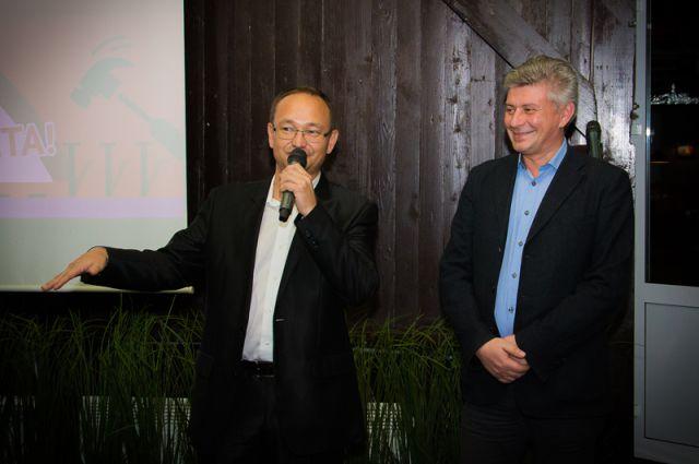 Расих Гатауллин и директор по региональной рекламе  «АиФ», советник по взаимодействию с органами власти Николай Терещенко