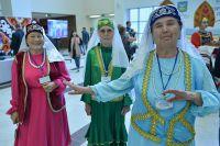 Участники выставки будут одеты в национальные костюмы.