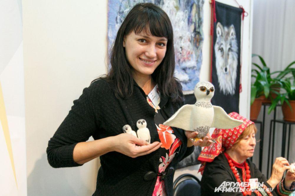 Чудесных птиц, сделанных их шерсти, привезла в Липецк мастерица из Волгограда.