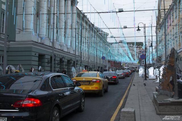 18:37 (сегодня) 1 81    Средняя скорость движения на дорогах Москвы выросла на 12%
