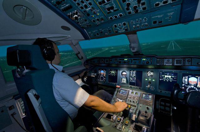Электронные тренажёры обучат управлять и самолётом, и бульдозером.