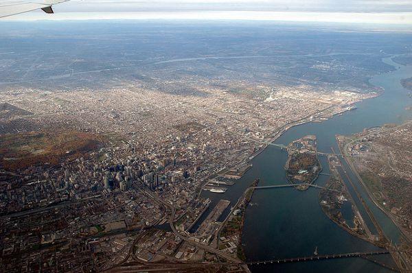 В Канаде в 1965 году для размещения Всемирной выставки Expo-67, приуроченной к столетию страны, был построен остров Нотр Дам. Он расположен на реке Святого Лаврентия, а для его строительства был использован грунт, выработанный при строительстве Монреальского метро.