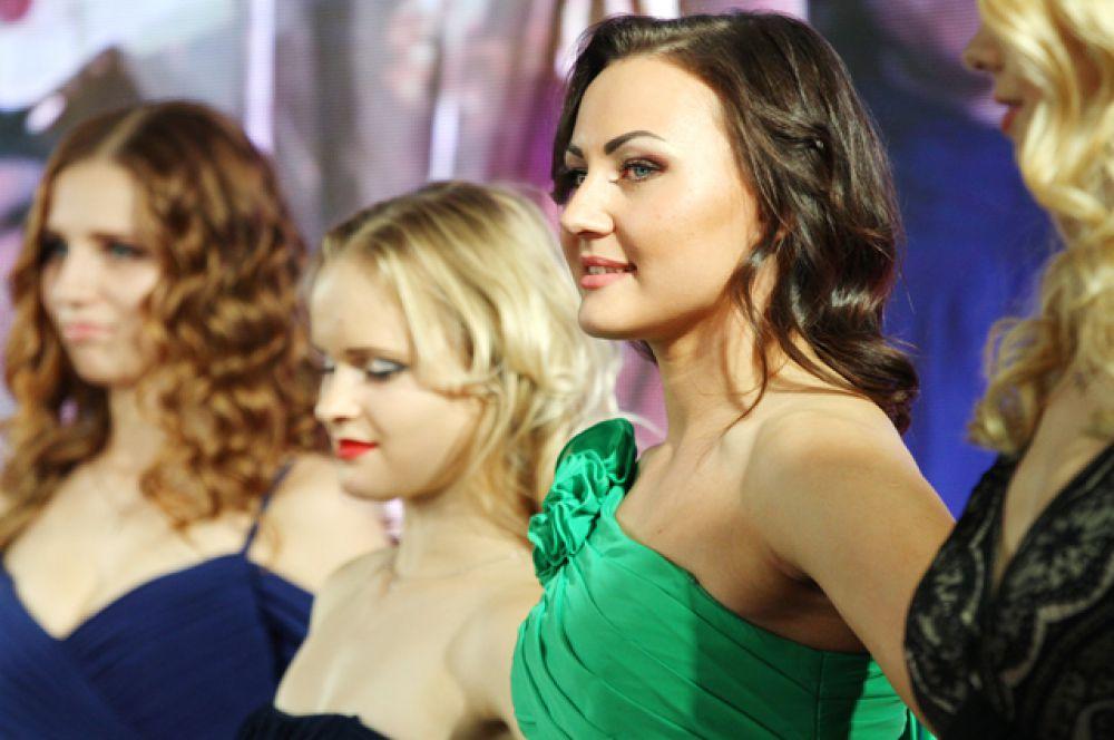 Первый этап конкурса, дефиле в вечерних платьях, добрая традиция всех конкурсов красоты.