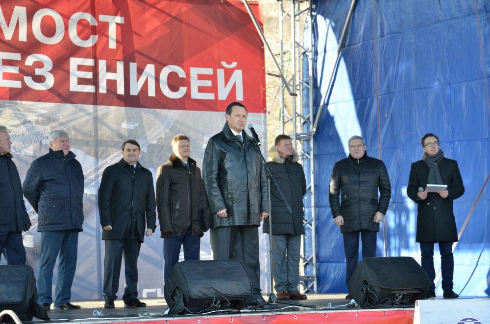 По словам мэра Красноярска, оба берега Енисея в районе моста теперь преобразятся