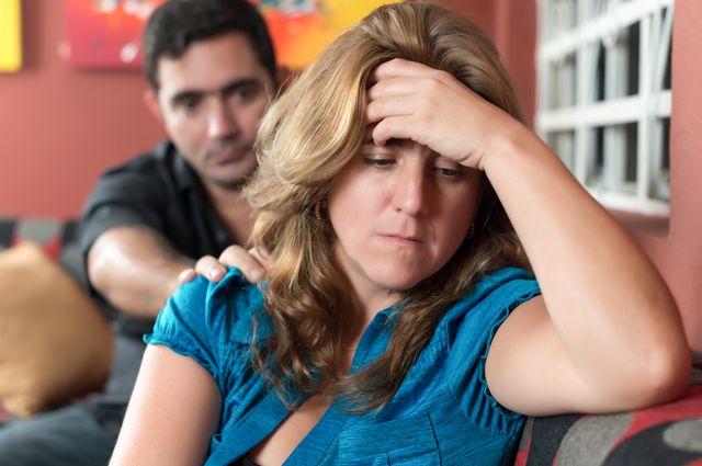 Я люблю изменять мужу эротические фильмы, порно где оператор не сдержался и сам начал трахать