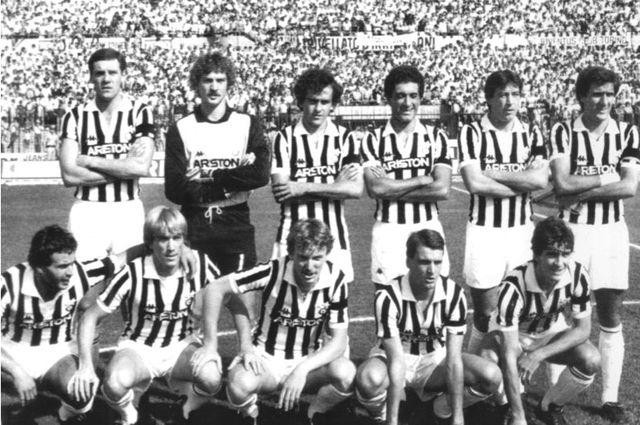 Состав команды «Ювентус» 1893–1894 года.