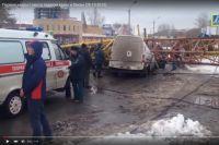 В результате падения строительного крана на ул. Жукова погибли четверо человек.