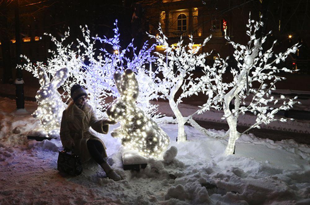 Декоративная иллюминация будет радовать глаз москвичей до 1 апреля.