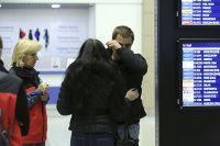 Родственники пассажиров Airbus-321 в аэропорту Пулково.