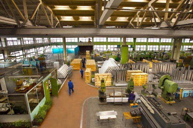 Механосборочный цех № 26 помимо выполнения оборонного заказа успешно  справляется с выпуском нефтехимического оборудования гражданского назначения.