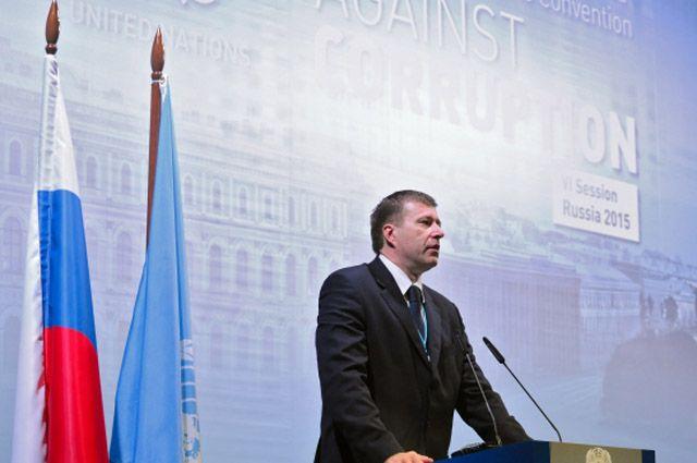 Александр Коновалов выступает на VI-й сессии конференции, в которой принимает участие руководитель администрации президента РФ Сергей Иванов.