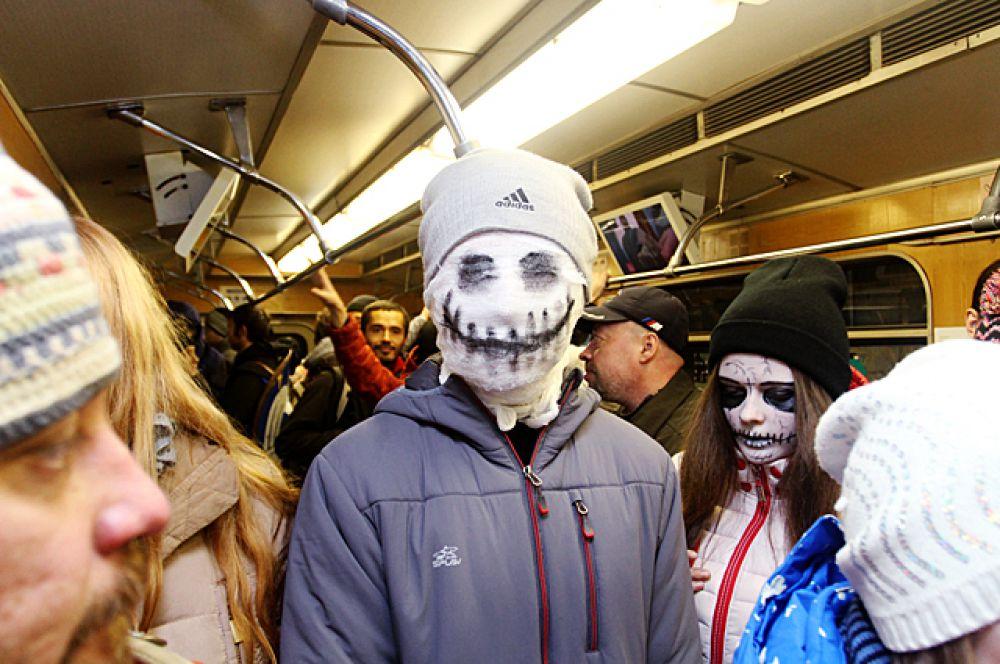 Между тем, зомби среди людей чувствовали себя прекрасно.