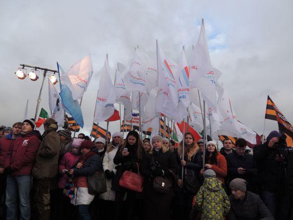 На митинге также выступил депутат Государственной Думы от Татарстана Александр Сидякин. Он напомнил собравшимся об исторических истоках праздника, которые уходят своими корнями в события начала XVII столетия.